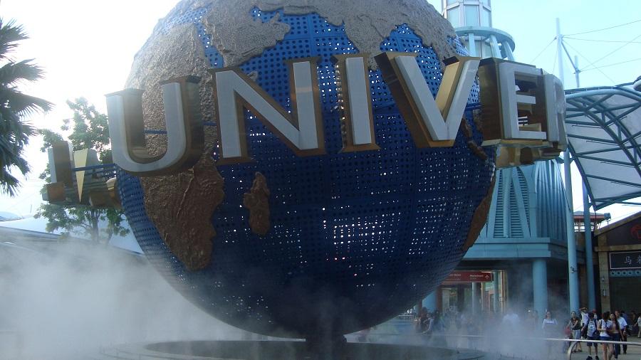 universal studio Singapore - travel treasures