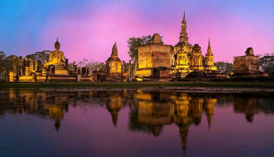 Ayutthaya - travel treasures
