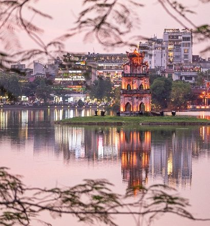 Hoan Kiem Lake vietnam - travel treasures