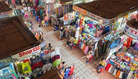 Ho Chi Minh's Street Market Savvy and Bargain Hunters